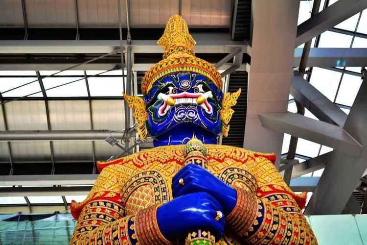 Giant frome Thailand Architecture City Dragon Statue Religion Thailand Suvarnabhumi Airport Historic Ramayana Place Of Worship Multi Colored Temple - Building Politics And Government Low Angle View Art And Craft Built Structure Representation Creativity Spirituality No People Sculpture Belief Building Human Representation Pattern Day Craft Indoors  Ceiling Ornate