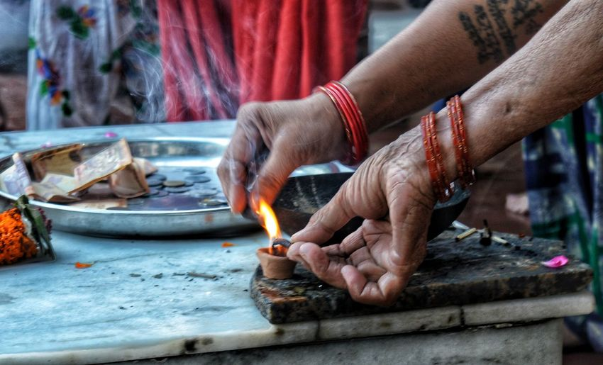 we combine to spread light and positive vibes in atmosphere. Two women are sharing 🔥 to lit their scented sticks... Lit Sharing  Religious  Spirituality Diya Flame Bangles Hinduism EyeEm Best Shots EyeEmNewHere EyeEm Gallery EyeEm Selects EyeEmBestPics Eyeemphotography EyeEm Masterclass Eyeem Market Eyeem Market EyeEm ready EyeEm Team Human Hand Flame Lit The Photojournalist - 2018 EyeEm Awards The Street Photographer - 2018 EyeEm Awards The Traveler - 2018 EyeEm Awards The Creative - 2018 EyeEm Awards The Fashion Photographer - 2018 EyeEm Awards Love Is Love The Still Life Photographer - 2018 EyeEm Awards The Great Outdoors - 2018 EyeEm Awards Human Connection Capture Tomorrow Moments Of Happiness 2018 In One Photograph International Women's Day 2019 Streetwise Photography