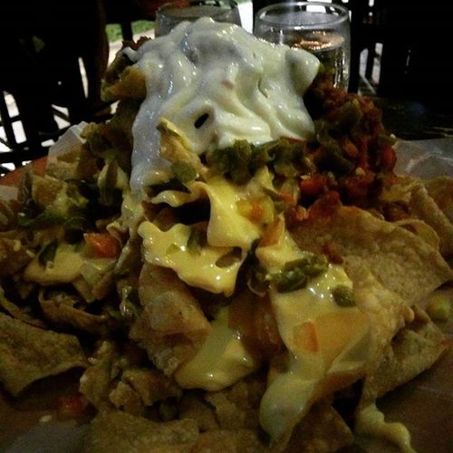 Nachos! 💃 Mexicanfood Thursdate Nexus5photography Foodphotography Meltedcheese Nachos