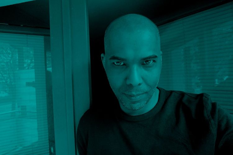 Me Ich Today Home Blue Portrait Men Sportsman Headshot Shaved Head Human Face Completely Bald Confidence
