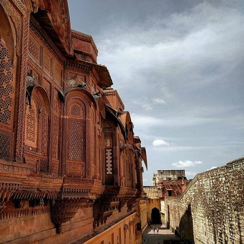 The sheer brilliance of this place leaves your spellbound. Such intricate work. Mehrangarh