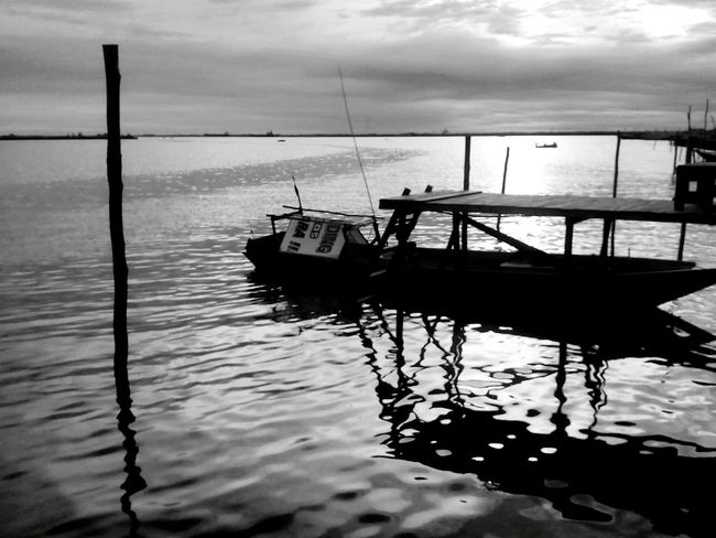 Sea Nautical Vessel Water Outdoors Nature Sunset Beauty In Nature Bnw_collection Kota Balikpapan Enjoying Life Landscape Nvhsnddn