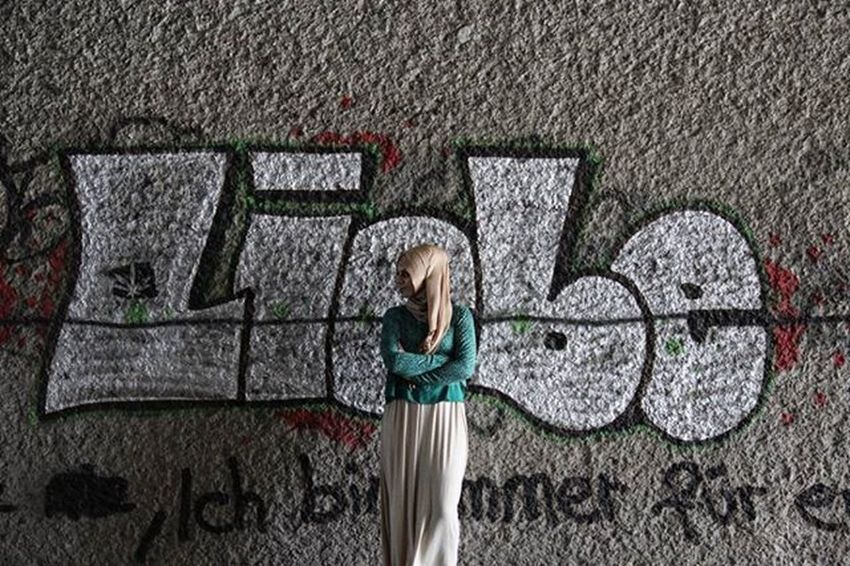 Love Liebe Photoshoot Photographer Photoshooting Photography Itsme Fotografia Fotografie Hijab Turkishgirl Turkish Lovegreen Hijabfashion Hijabstreetstyle Hijabstyle  Selca Hijabi Canon Fotokamera Kamera Canon_photos Hobby Hobbyphotography Hobbyphotographer