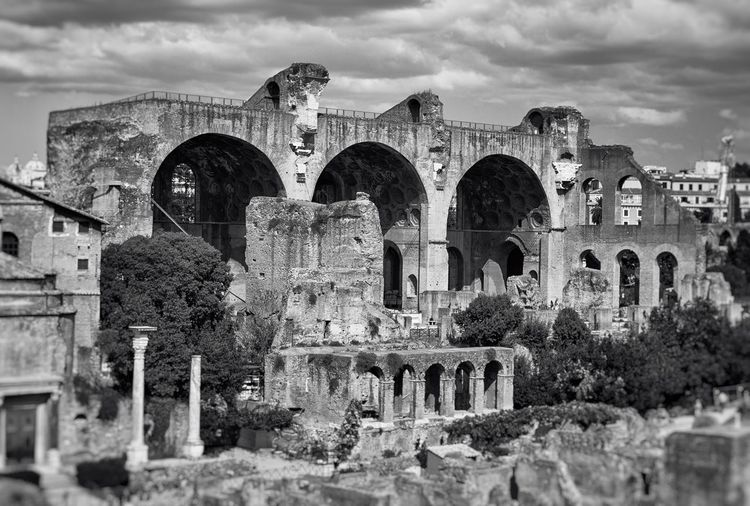 Basilica of Maxentius, Rome Rome Italy Architecture History Old Ruin Famous Place Ancient Cloud - Sky Architectural Column Historic Building Basilica Of Maxentius Landmark Monument Roman Classical Monochrome Black And White Blackandwhite Black & White Ancient Architecture