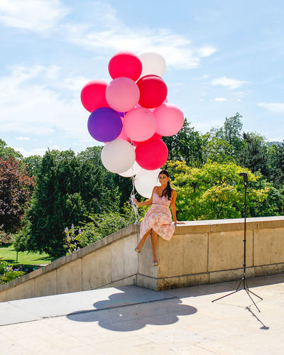 Balloons Real People Plant One Person Full Length Balloon Women Nature Tree Lifestyles Sky Day Cloud - Sky Sunlight Females Leisure Activity Casual Clothing Emotion Green Color Standing Outdoors Hairstyle Travel Destinations Paris Eiffel Tower Girl This Is Natural Beauty