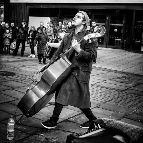 Music Musician Arts Culture And Entertainment Musical Instrument Creativity Plucking An Instrument Shorditch Live Music Live Music Photography Music Music Photography  Music Is My Life Music Photography  Folk Band Street Monochrome Photography Black & White EyeEm Best Shots OpenEdit Streetphotography Urbanphotography Music Photography  People Open Edit