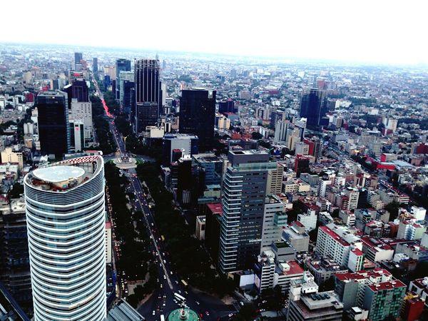 Aerial Shot desde el edificio más alto de AmericaLatina al día de hoy