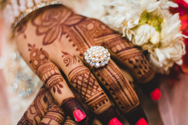 Close-up Wedding Jewelry Women Celebration Selective Focus Adult Pattern Design Henna Tattoo High Angle View Ring Event Indoors  Life Events Art And Craft Human Body Part Human Hand Bride Hand Personal Accessory Springtime Decadence The Portraitist - 2019 EyeEm Awards The Creative - 2019 EyeEm Awards The Street Photographer - 2019 EyeEm Awards