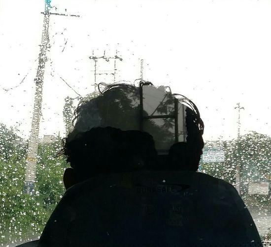 Getty Images Getting Inspired Shutter EyeEmNewHere Eye4photography  EyeEm Selects EyeEm Gallery EyeEm Nature Lover EyeEmBestPics Eyeem Market RainyDay Bus Driver Water Droplets Greenery_scenery Roadtravel Reflection Glass