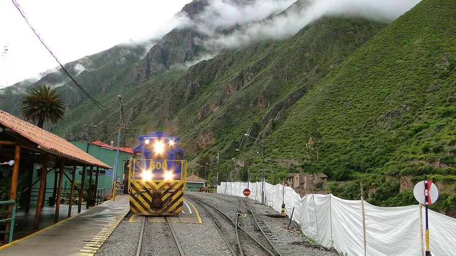 Walking Around Popular Photos On The Road Peru The Purist (no Edit, No Filter) Train Eye4photography  EyeEm Gallery Olantaytambo Olantaytambo Station From My Point Of View Landscapes Travel Eye4photography  EyeEm Best Shots Mountain Eye4photography  Landscape_Collection