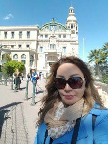 Lady Traveller Walking By Myself Enjoying Life Travel Photography Lizaratravelphotography Built Structure People Watching The Traveler Montecarlo Monaco