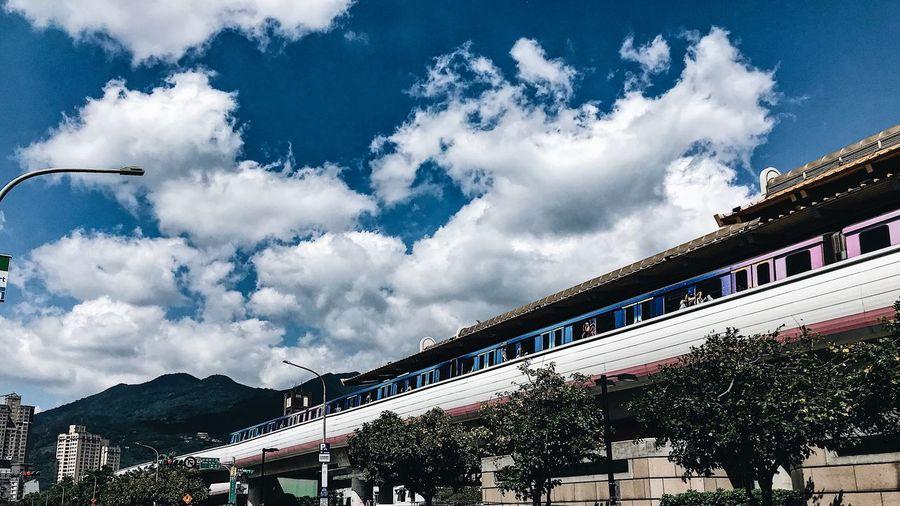 奇岩站 捷運 Public