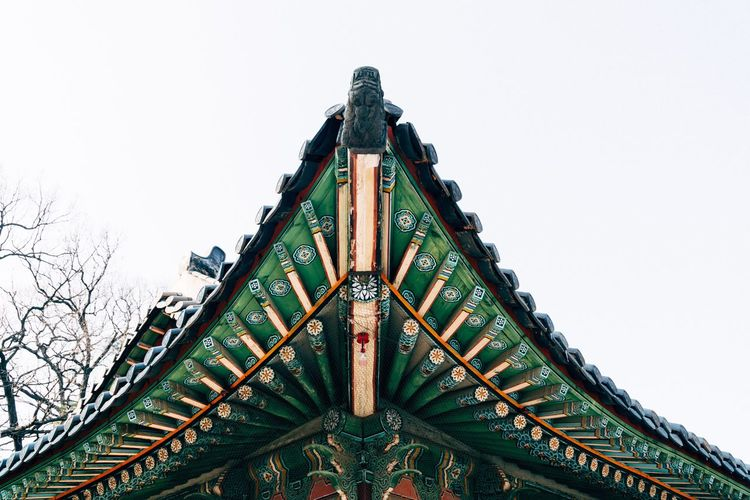 Low Angle View Outdoors Built Structure No People Architecture Arts Culture And Entertainment Day Building Exterior Clear Sky Sky Eaves Korean Traditional Architecture EyeEm Korea Seoul, Korea