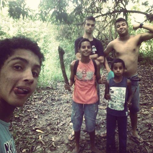 Os aventureiros Huehue Hojefoiloko Floresta Explorando