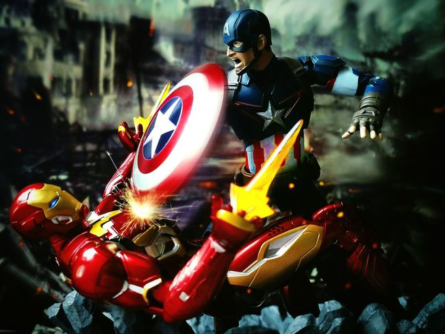 When heroes fight, who's the villain? Action Figures Toy Photography BANDAI Shf Toys Sh Figuarts Captain America Iron Man Civil War Marvel Tamashiinations Heroes