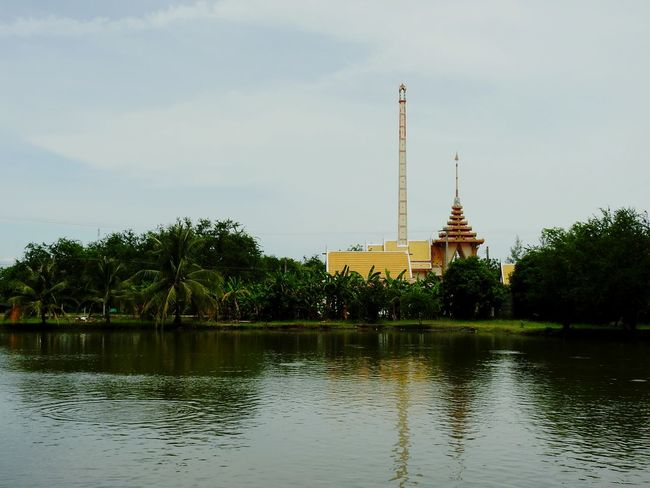 Crematory Crematorium Religion Buddha Lake Forest Palm Tree Ao Noi EyeEm Selects Prachuap Khiri Khan EyeEmNewHere Thailand The Gulf Of Siam Mountain Thai