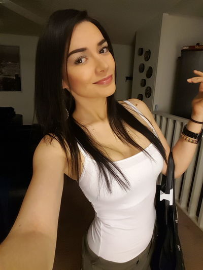Capture The Moment Gainesville Picoftheday Collegelife Universityofflorida Nofilterneeded Universitylife Colombiana Latina That's Me Brunette Girl  Selfie ✌ Colombiangirl Enjoying Life Colombia Hanging Out Hello World Pictureoftheday