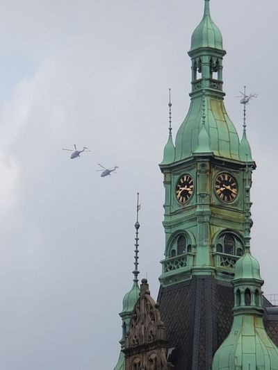 Clock History Travel Destinations Building Exterior Sky Time City Politics And Government Clock Face Hamburg Hamburgcity Germany G 20 Hamburg G20 Summit G20 Gipfel G20 Hamburg Helicopter Helicopters Police Police Helicopter Politics Architecture Security Hamburg G20