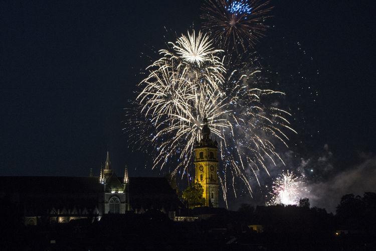 Discover Your City Feux D'artifice Fotografía Nocturna Mons en Belgique