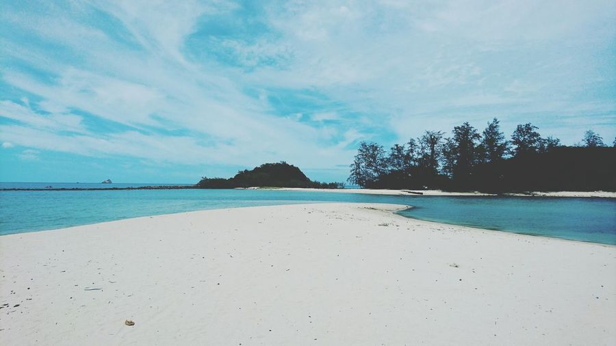 The white sands of Choeng Mon Beach, Thailand Water Beach Tranquil Scene Tranquility Sea Sand Scenics Blue Vacations Day Cloud Coastline Nature Beauty In Nature Outdoors Thailand Choengmon Beach Choengmon Koh Samui Traveling Travel Photography Travel Thailand