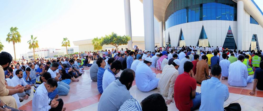 Huge turn out for Imam Bilal Philips Friday Prayer Mosque Doha, Qatar