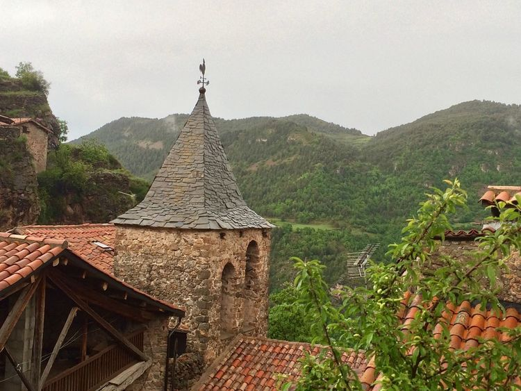 Grandia Querforadat Catalunya Natura Built Structure Architecture Building Exterior Plant Building Religion Place Of Worship Nature