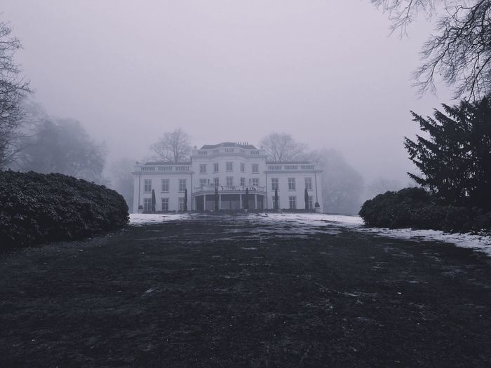 Tree Fog Nature Winter Built Structure Building Exterior Architecture Outdoors 1830 Cold Temperature Sky Beauty In Nature Château Old Buildings Luxury Restaurant Snow ❄ Landscape Building Netherlands ❤ Arnhem Wedding Location Historic Historical Building
