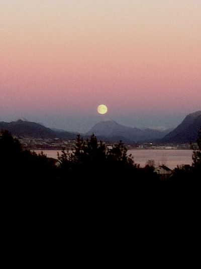 Beautiful moon on the way up! 🌙📷 Hello World Taking Photos