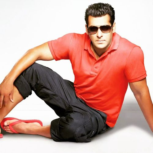Happy and the happy and happiest bday to the swag guru of bwood Salmankhan 49 Humanbeing Beinghuman Love Care Grind Hustle Swag Appearance 😚😚😚
