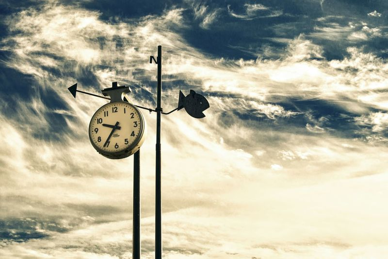 Time Cloud - Sky Clock Sky Minute Hand EyeEm Best Shots El Campello Clouds Collection The Times Watch The Clock The Time Compass Direction Guidance Cardinal Points North Sea North Directional Sign Sign No People Harbor Travel Destinations Outdoors Day The Time Is Now