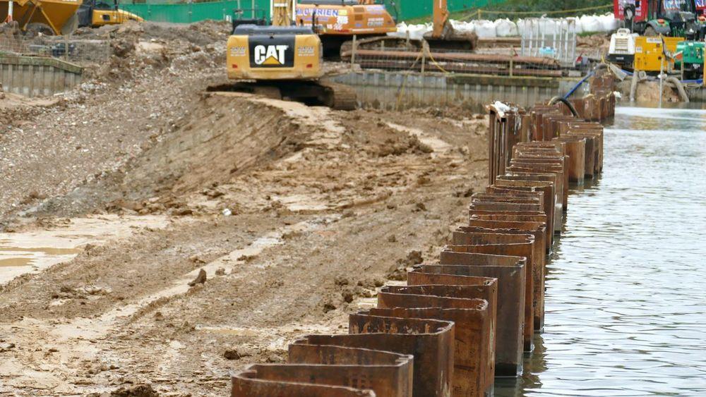 'Border' Hampstead Heath Hampstead Heath Ponds Hampstead Heath Dam Project Water Construction Site Diggers Machinery Corrugated Metal Rust Sheet Pile Pattern -- B