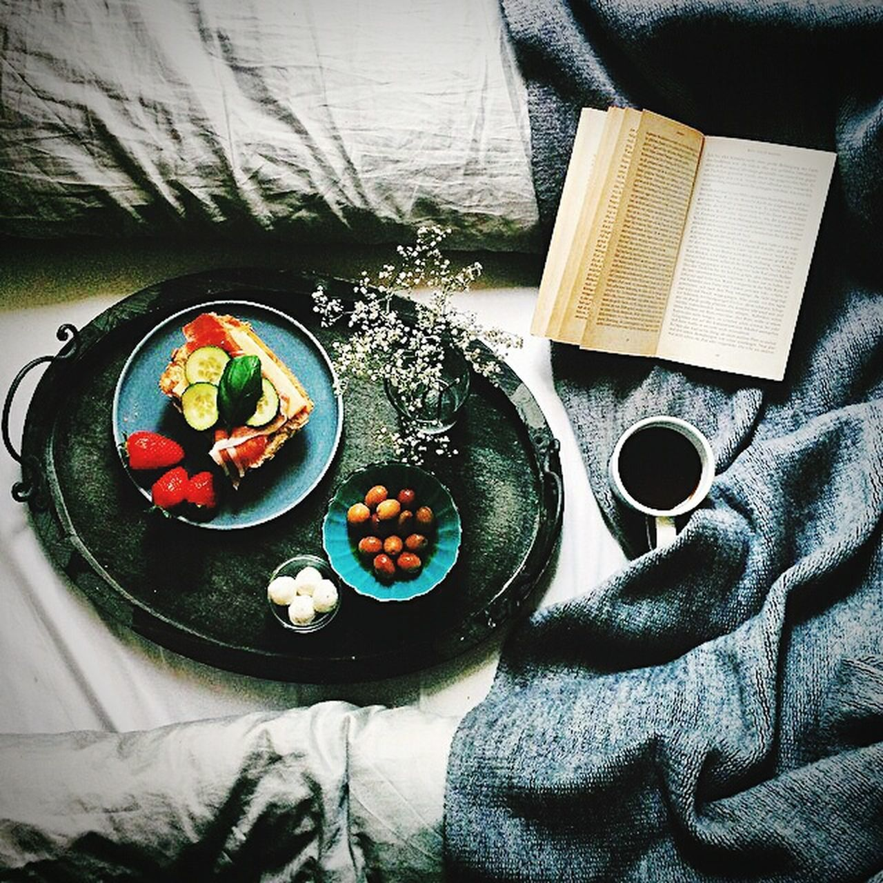 indoors, high angle view, food and drink, healthy eating, bed, freshness, bowl, no people, food, day, close-up