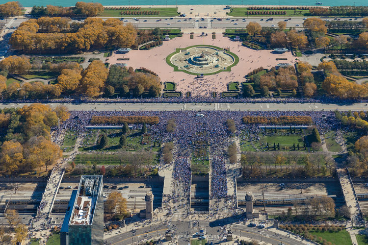 Packed streets in Chicago (Cubs 2016 World Series celebration ) Crowded Crowded Street Crowded People Crowded Place Tourism Architecture Travel Destinations City Chicago Cubs Landmark Chicago Architecture Chicago Celebration Event Celebration History