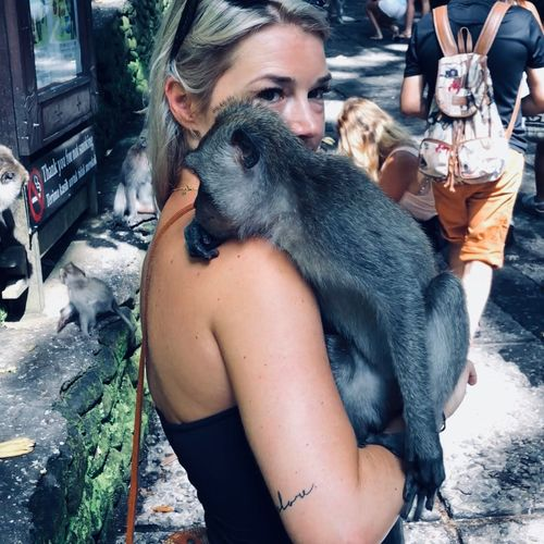 Monkey town Adventure Travelling Travel Photography Traveling Travel Destination Travel Traveller Blonde Girl Blonde Sacred Forest Jungle Forest Monkey Business Baliphotography Indonesia_allshots Indonesia Photography  INDONESIA Bali, Indonesia Bali Monkey Forest Bali Monkey Forest Ubud, Bali Monkeys Monkey Real People One Animal Mammal Domestic One Person Women