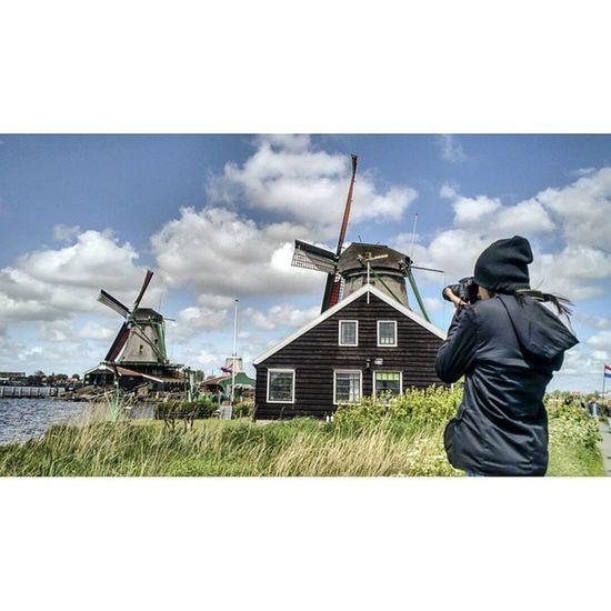 Zaanse Sanches. Zaanseschans Nikon Pagevibe Parededevidro Fotoxigenio Amsterdam Momentogravado Moinhosdevento Retragos Instagramers