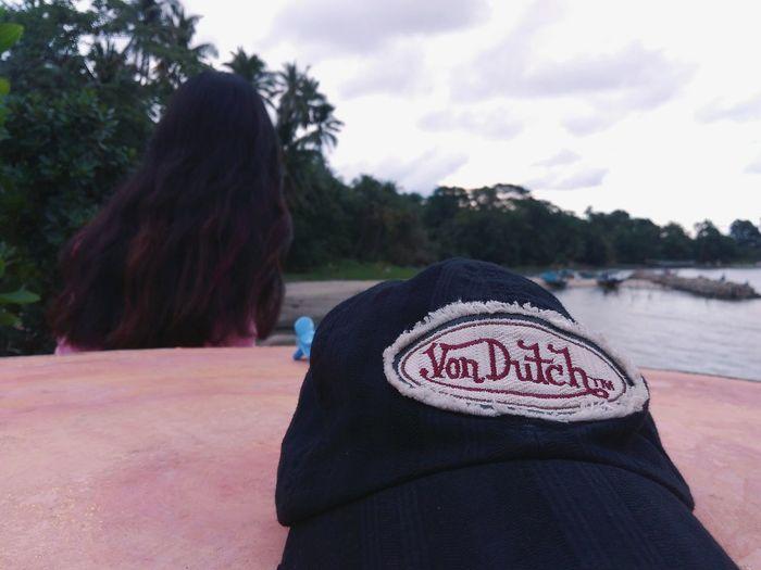 Topi ini melindungi kepalaku dari panas dan wanita wkwkw😂😎 Rear View Women People Adult Outdoors Human Body Part Day First Eyeem Photo @wolfzuachis @Thailand @Indonesia @likeforfallow @instagram