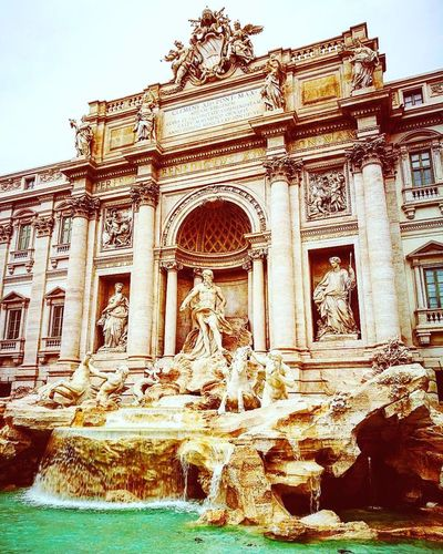 Low Angle View Building Exterior No People Outdoors Rome Fontana Di Trevi Italy 🇮🇹 History Architecture Travel Destinations The Past Built Structure Tourism Day Travel Sculpture Ancient Sky Low Angle View Architectural Column Statue Ancient Civilization