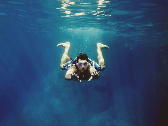 Underwater discovery One Person One Man Only Only Men One Young Man Only Adults Only Summer Water Underwater Young Adult Swimming Adventure People Adult Day Outdoors Swimming Pool Nature Freshness Diving Handsome Handsome With Style First Eyeem Photo EyeEmNewHere