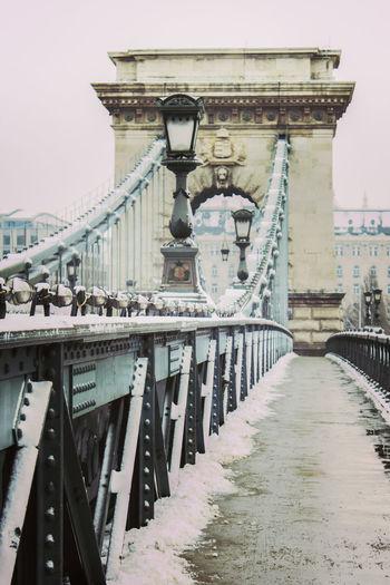 Chain Bridge,