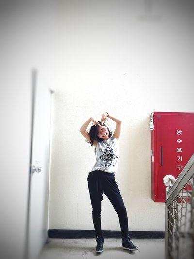 let's rock!! That's Me Hi! Enjoying Life Girl Smile Hello World EyeEm Best Shots People Street Fashion