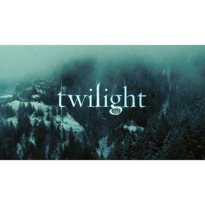 """""""Quando a vida lhe oferece um sonho muito além de todas as suas expectativas, é irracional se lamentar quando isso chega ao fim."""" TwilightSaga Twilight Twilightforever Bedward Bella Edward"""