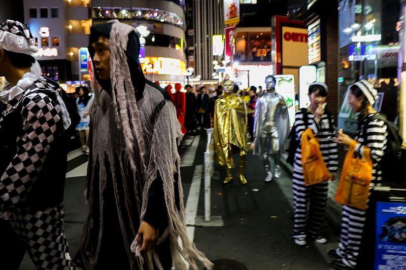 Halloween Horrors Halloween2015 From My Point Of View Halloween EyeEm Night Photography Halloween Costumes EyeEm Best Edits Happy Halloween! Halloweenmakeup Street Photography Halloween Tokyo Street