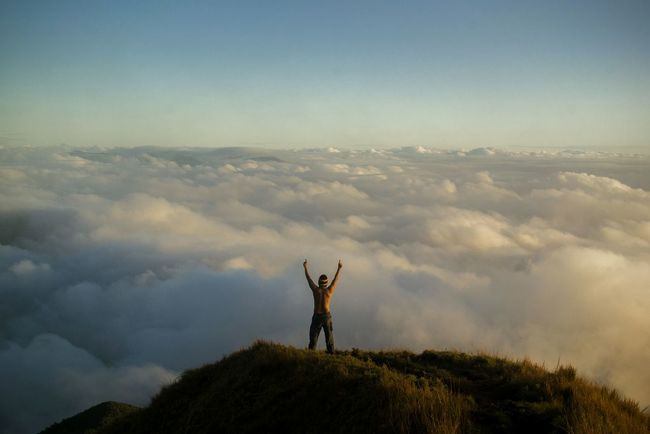 A conqueror of Mt. Pulag. Kabayan, Benguet.Sky One Person Nature Outdoors One Man Only Mountain Travelphotography Travel Photography Pinoy Mountaineer Sea Of ​​clouds Mountains Destinationearth Wanderlust Philippines Beauty In Nature Landscape People EyeEmNewHere Nikon D3100 Eyeem Philippines