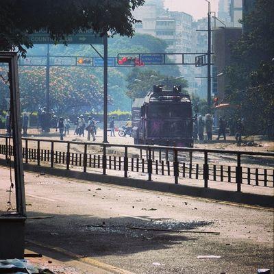 1M 1marzo Chacaito Venezuela sosvenezuela ResistenciaVzla sos laverdad estudiantes gobiernocorructo prayForVenezuela fuerza elquesecansapierde guarimba ResistenciaVzla caracas venezuela sosvenezuela ResistenciaVzla ballenas gnb lacrimogenas calle pnb