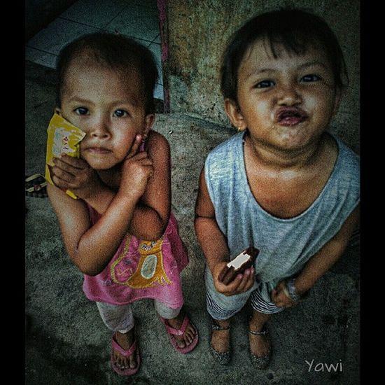 Nyongg Loves_world Loves_people Loves_indonesia_humaninterest Photo_storia photojournalismisart kofipon coferone kamerahpgw MataPonsel kofopom indonesia_people
