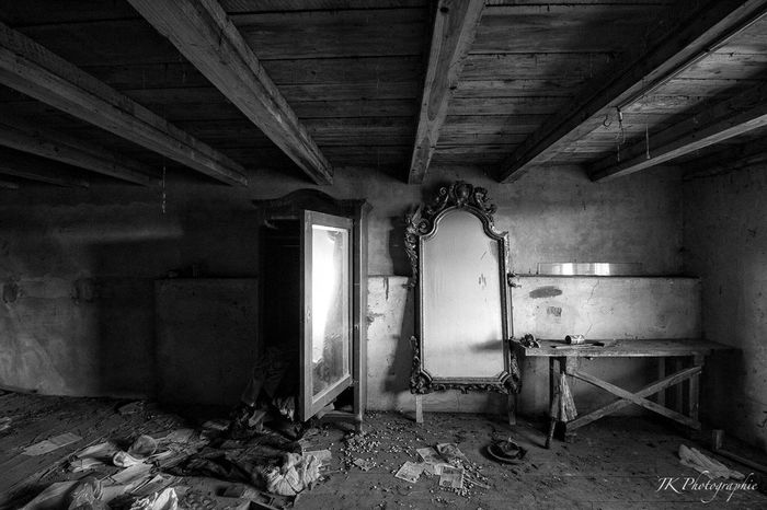Tadaa Community Blackandwhite Photography Blackandwhite Photography Light And Shadow Mirror Picture Mirror Decay Urbex_rebels Urbexphotography Urbex Abandoned_junkies Abandoned House Abandoned Places Lostplaces Verlassenes Haus Anwesen Abandoned Mansion Indoors  Abandoned Dirty No People Architecture Day