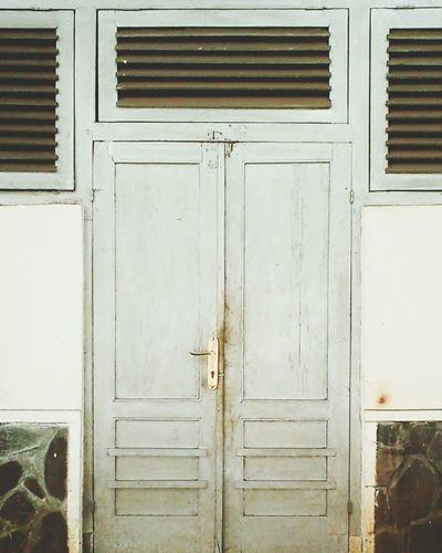 Old Building  Symetricphoto Door Window