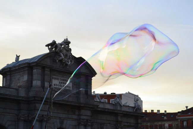 Magic bubble Madrid SPAIN Puertadealcala Bubble Bubbles Bolle Bolledisapone Colors Taveling Memories Sky Showcase: January Urban Spring Fever Colour Of Life TakeoverContrast The City Light