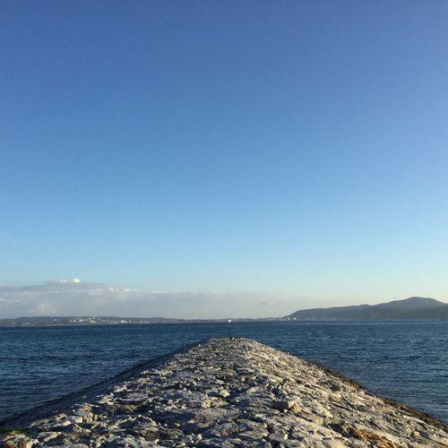 朝の散歩。。。 @walking @sea @morning @okinawa @Japan