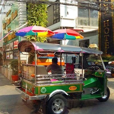 สีสด Sunday TukTuk Thaionly Thailand Bangkok Sathorn